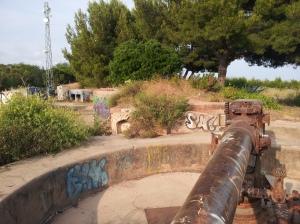 Bateria de Montgat abans de ser restuaruada.