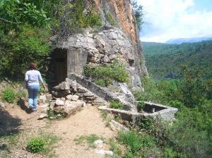 Accés a La Roca de la Mel.